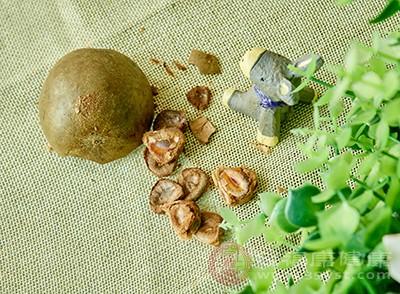 羅漢果中含有大量的維生素C