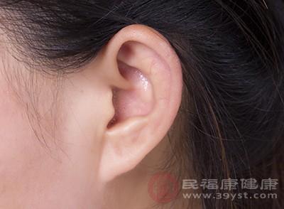 中耳炎如果不及时治疗导致炎症扩散的话,很有可能会出现一些全身的症状