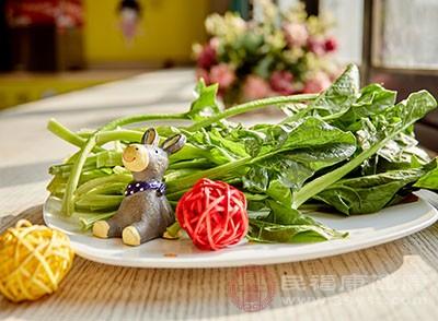 菠菜富含钾、钙和镁元素,能帮助眼部肌肉增强弹性,不容易发生近视