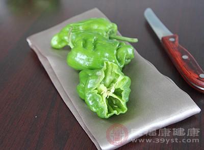 青椒带有很多的叶绿素