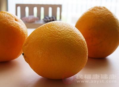 在很多的水果中,橙子中含有的抗氧化物是較多的