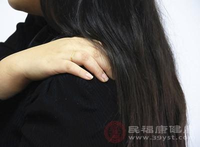 肩周炎在初期時,患者會感到肩部有疼痛感