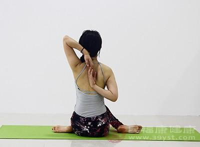 如何练习天鹅颈4招,还你气质和美丽的天鹅颈