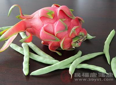 火龙果中的花青素含量是很高的