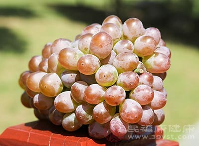 葡萄具有软化血管的功效