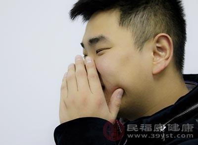 很多鼻炎患者早上刷牙的时候也会经常感到恶心干呕