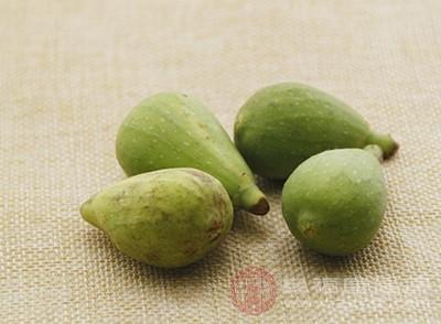 无花果中含有补骨脂素、佛柑内酯等活性成分及芳香物质苯甲醛