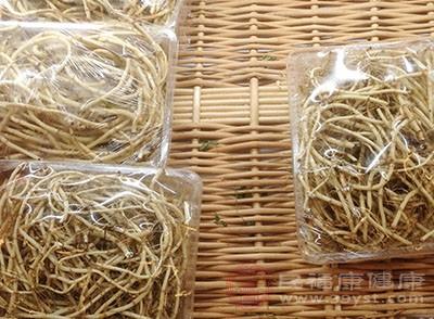 鱼腥草所含有的某些物质,能使毛细血管扩张