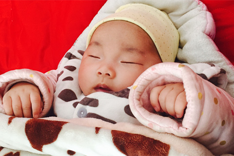 新生儿睡觉时间是怎么样的/