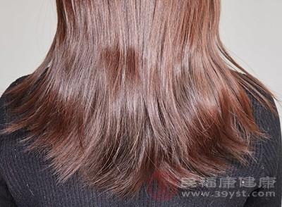 头发油的原因 清洁不彻底会导致这个后果