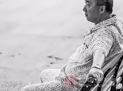 如何减少老年人的腹泻可以治疗这种疾病[如何治疗老年人感冒时的咳嗽]
